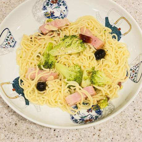 ★new★craft pasta★時短パスタ☆ブロッコリーとベーコン・アンチョビ・オリーブ・ケーパーのペペロンチーノ3袋 と もちもち生パスタ3袋