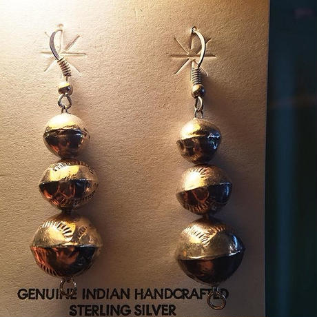 """NAVAJO"" Silver Beade Ball Pierce"