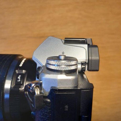 OLYMPUS E-M5mk2用 アイカップ紛失防止カバー