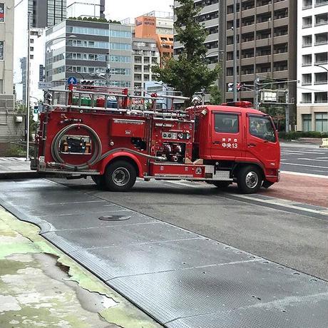神戸市消防局コラボこどもTシャツ ブルー (消防車)