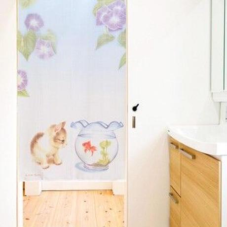 のれん 85X150cm 荻荘聖子「ネコと金魚」色鉛筆画【日本製】