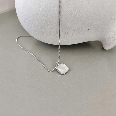 Square shell pendant【R0056】