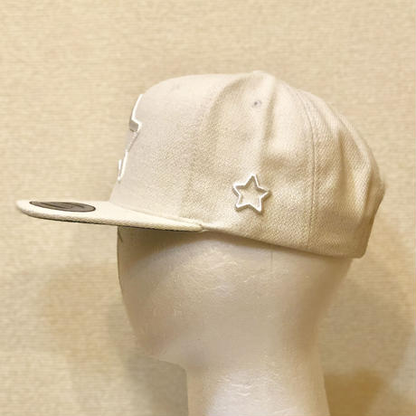 ALL WHITE WOOL CAP