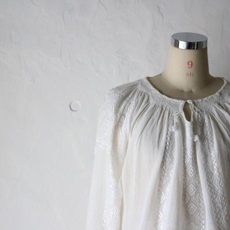 ルーマニア 刺繍ブラウス [280]
