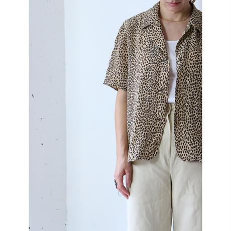 Open collar leopard silk shirt