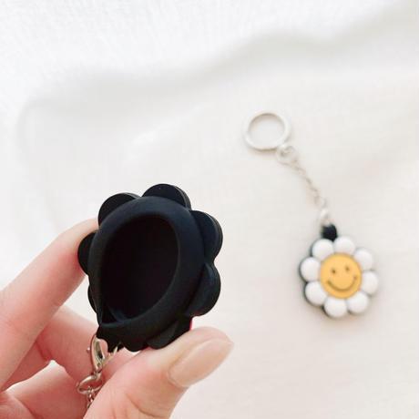 笑顔の花 AirTagケース  sunflower 可愛い エアタグカバー  キーホルダー付きソフトケース 耐久性ありM576