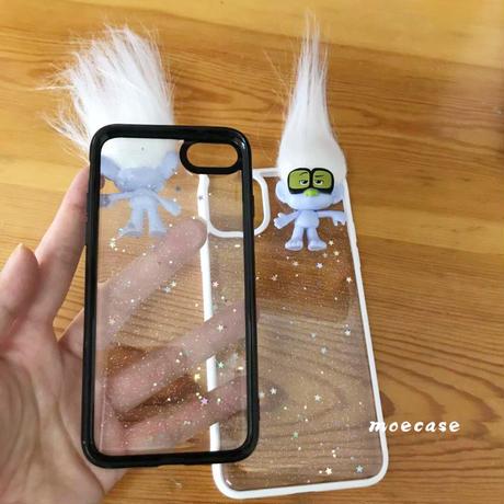 キャラクタートロールズiphoneSE/11proケース iphone12proカバー お揃いメガネtrolls 黒白色 ラメ入りクリア携帯ケースM209