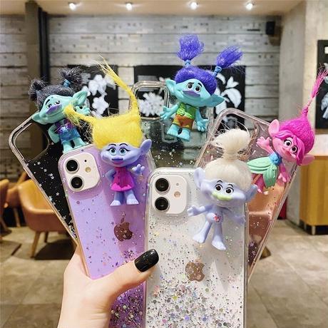 トロールズ人形 アイフォン12/11ケース  ラメ入り可愛いiphonexs/se2/8カバー 個性面白いおもちゃ ソフトクリアケース  ギフトM326