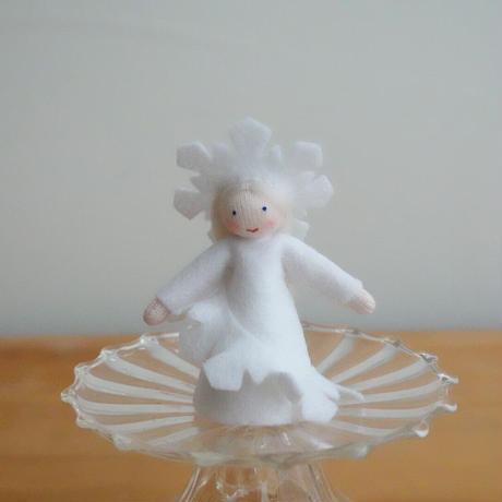 雪の結晶の妖精 ホワイト