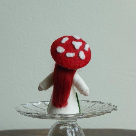 赤いきのこの妖精 ホワイト