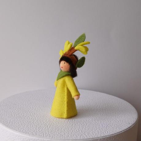 キバナフジの妖精 ベージュ