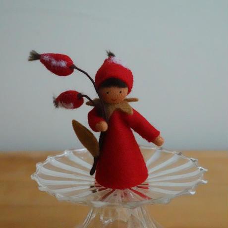 ローズヒップの妖精 ブラウン
