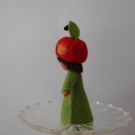 りんごの男の子の妖精 ブラウン