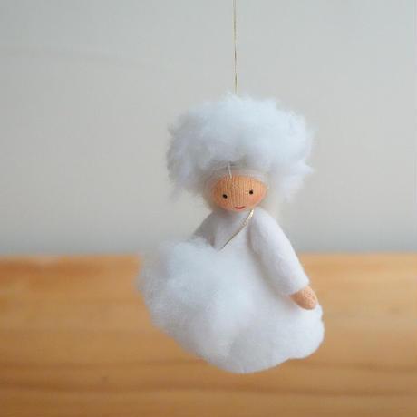 粉雪の妖精 ベージュ