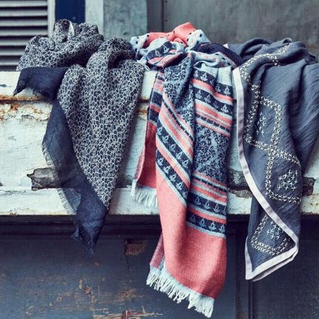 【maya copenhagen】北欧 デンマーク ウール100%  大判ストール  綾織ダークブルー 100×180cm