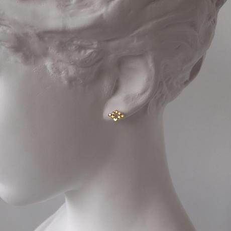 Diamond Hex stud earrings/ ひし形