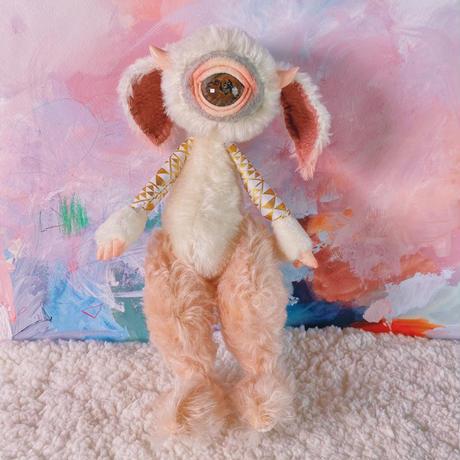 単眼ツノうさ -ammonite eye-/sakura pink