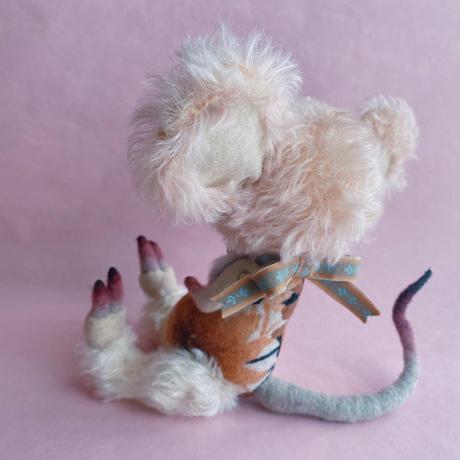 単眼ネズミ/antique pink