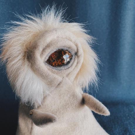 かろみ -しりもち- / brown ammonite eye