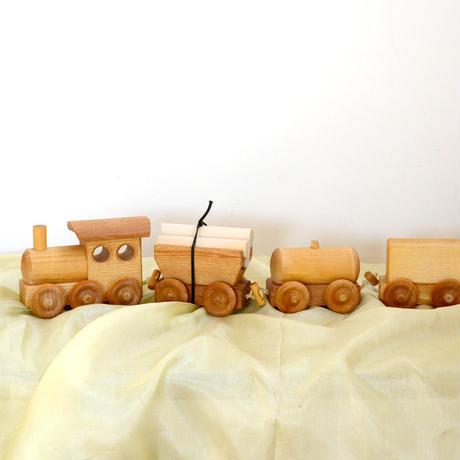 〈1才-〉【車】貨物列車