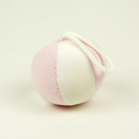 〈6ヶ月-〉ひも付きボール ピンク/水色