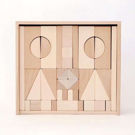 〈2才-〉【積木/基本の積木(基尺4cm)】アルビスブラン積み木(大) (89ピース/木箱入り)