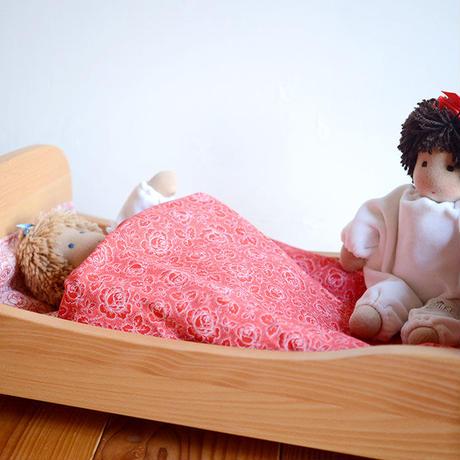 〈3才-7才〉ノルベルト 木製ベッド (※布団=赤系小花柄)
