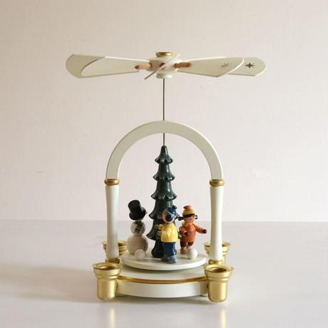【クリスマス】ピラミッド C.S雪遊びのこども ( 白 )