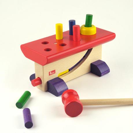 〈2才-〉【叩く遊びの玩具】【動きの玩具】大工さん