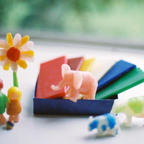 〈3才-〉【工作】【指先を使う玩具】みつろう粘土 12色12枚 250g