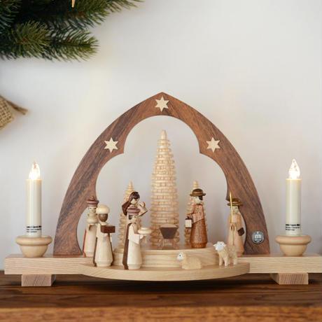 【クリスマス】尖塔アーチ型キャンドルスタンド キリスト生誕  ( 電池式キャンドル付き )