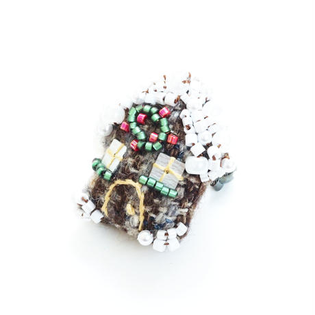 Miniature Log house Brooch