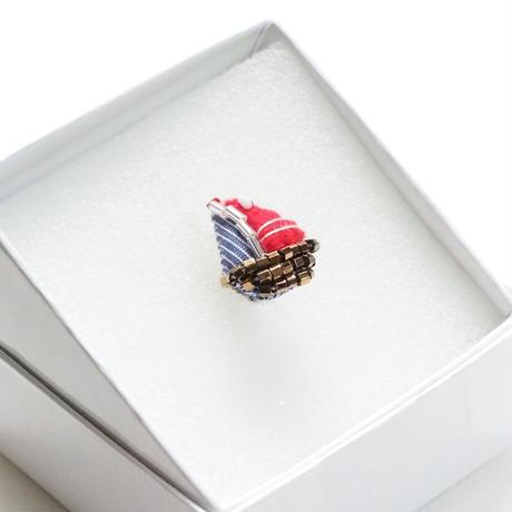Tiny Yacht Pierce