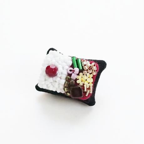 Miniature Bento Brooch (日の丸)