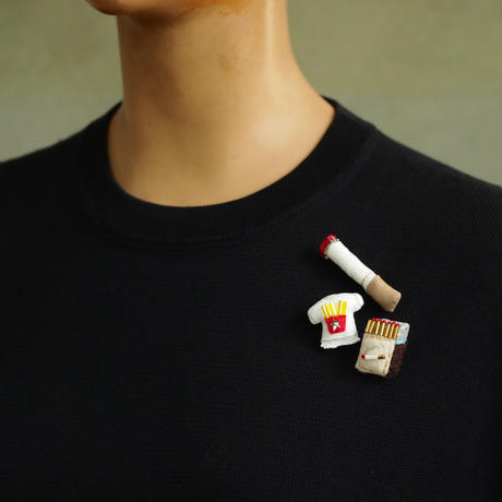 Tobacco Brooch