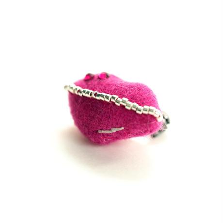 Miniature Kiss Brooch