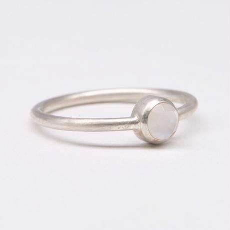 y.h.a accessories / リング/ Silver・ムーンストーンΦ4 /11号 (実物写真864)
