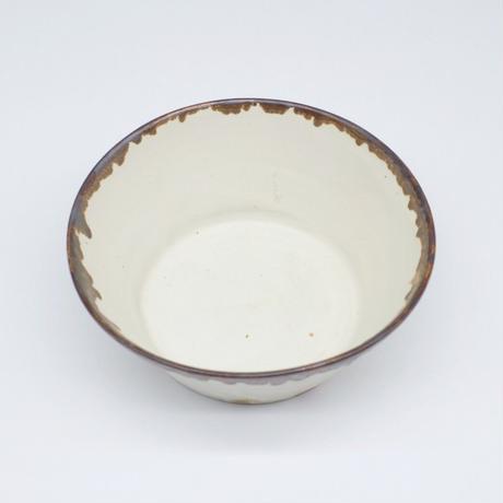 比地岡 陽子 / 粉引 銀彩流し中鉢 (実物写真575)