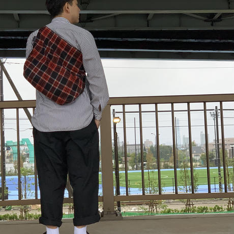 STUMP STAMP × FAKIE STANCE TARTAN CHECK LARGE SACOCHE(RED)