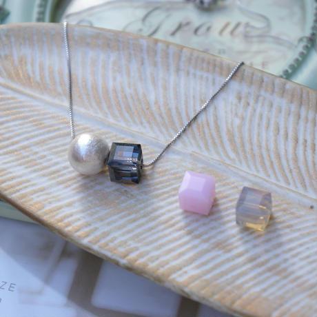 petit necklace pearl&square