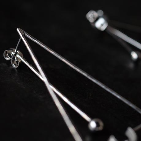SUNn・寸 線と三角のピアス(silver)