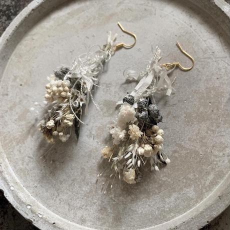 botanical works botanical swag earring / pierce 片耳【natural yellow】【受注商品:11月中発送】