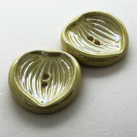CO-|ヴィンテージ陶ボタン2個セット(リーフ・イエロー)