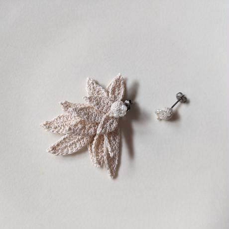 Shizuka, d.s.   Seeds with pearl & Layered leaves No.40《ピアス》