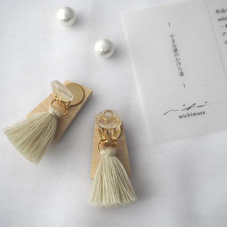 mikimichimasa|- 山野草図 - 紫 tassel earring ET-3