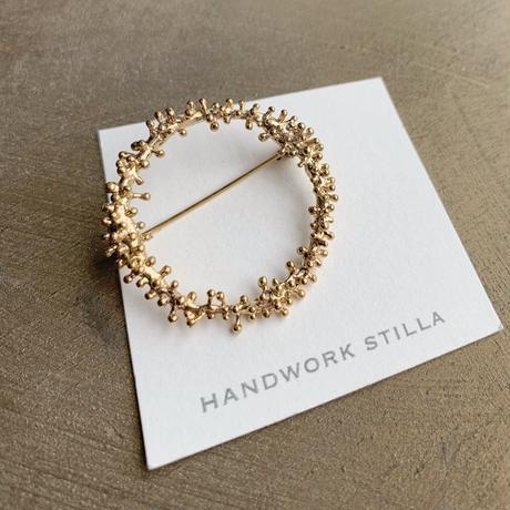 HANDWORK STILLA|ワイヤープランツつぶつぶリースブローチ大 K14コーティング