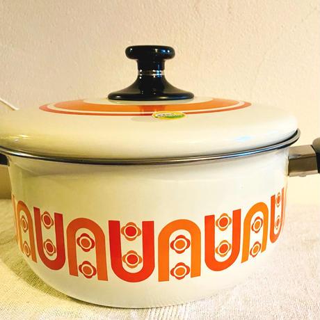 houti オレンジ色の柄が可愛いホーロー鍋