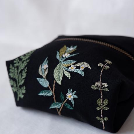【7月号掲載分】nui+|ポーチ「緑の植物」