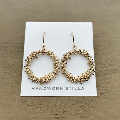 HANDWORK STILLA ワイヤープランツつぶつぶリース小フックピアス・イヤリング K14コーティング