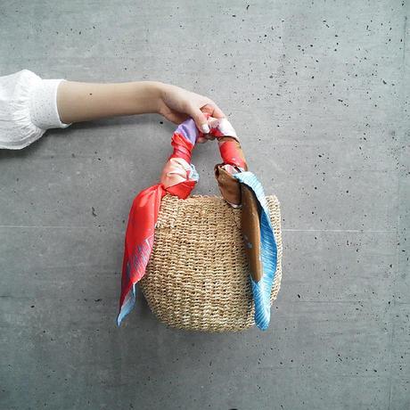 "YUMI YOSHIMOTO| シルクプリントスカーフ ""The perfect laundry day"""